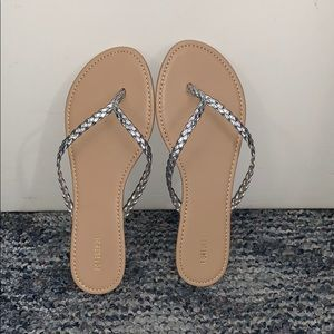 Forever 21 Braided Flop (Silver)